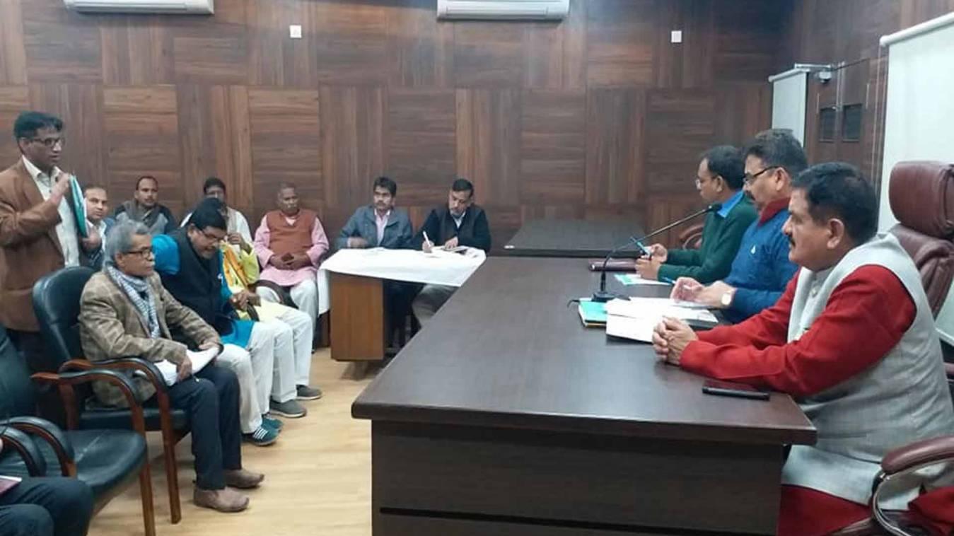 वाराणसी: पेयजल आपूर्ति के दावे को पार्षदों नेनकारा तो राज्यमंत्री ने दिए अभियंताओं पर कार्रवाई के आदेश