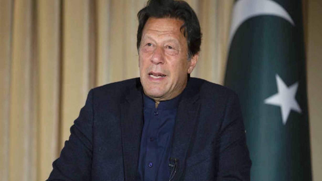 पीएम इमरान खान ने खत्म किया लॉकडाउन, वायरस के साथ रहने की आदत की अपील
