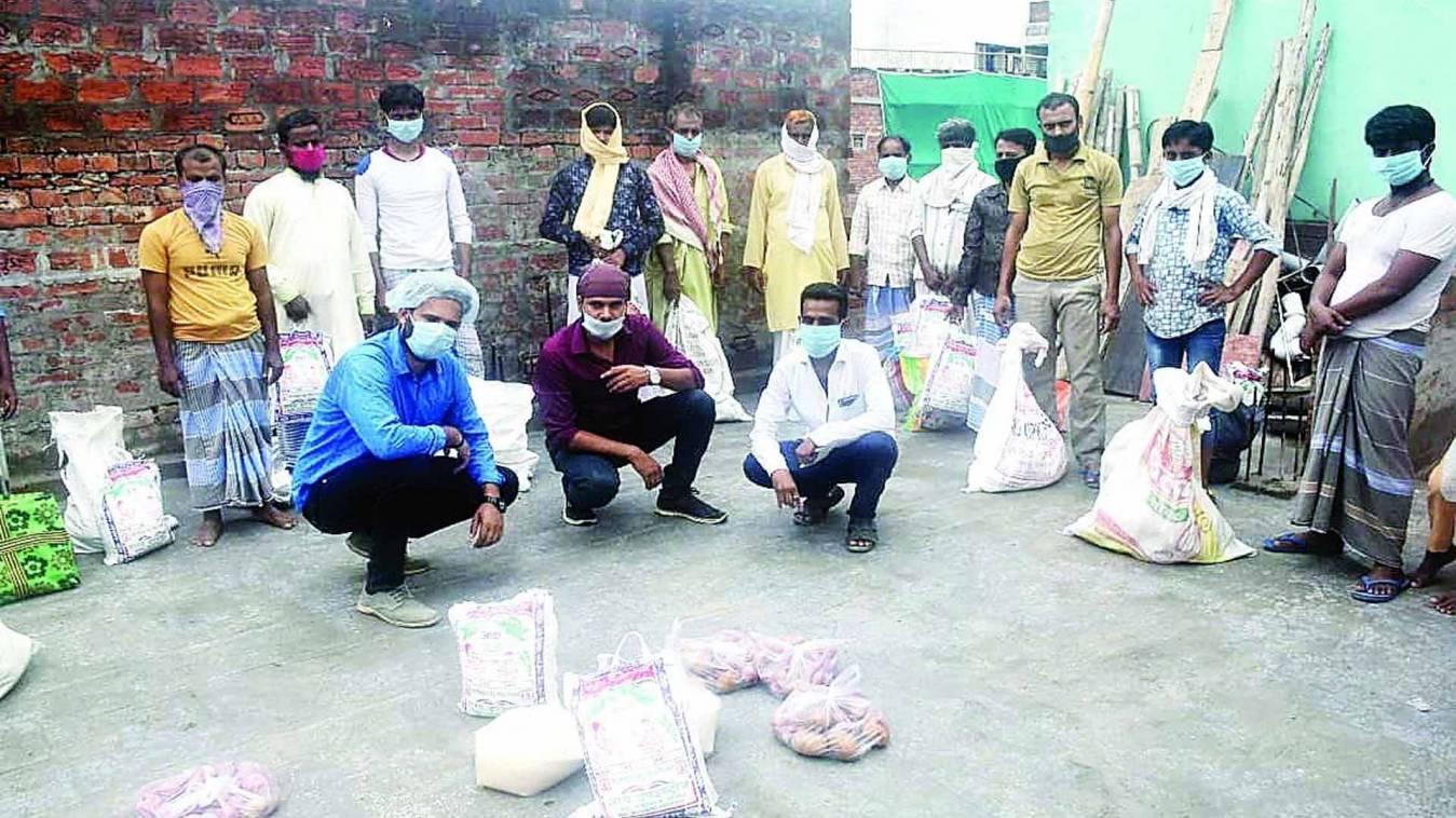 वाराणसी: रणभेरी के खबर का हुआ असर, पास्ता बेच रही बच्चियों के मदद के लिए आगे आईं समाजसेवी संस्थाएं