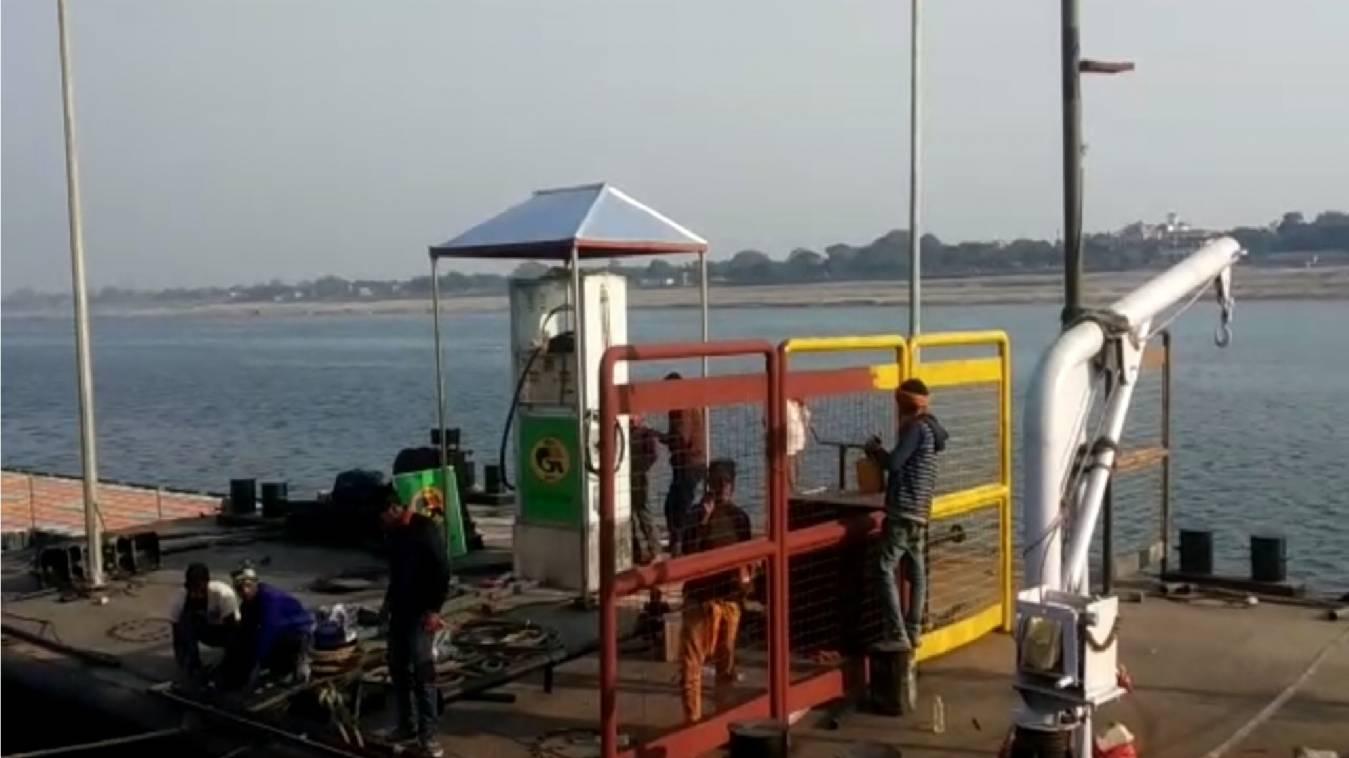 वाराणसी के ठाठ में चार चांद लगाने की योगी सरकार की तैयारी, नए साल से इकोफ्रेंडली सीएनजी नाव का संचालन शुरू