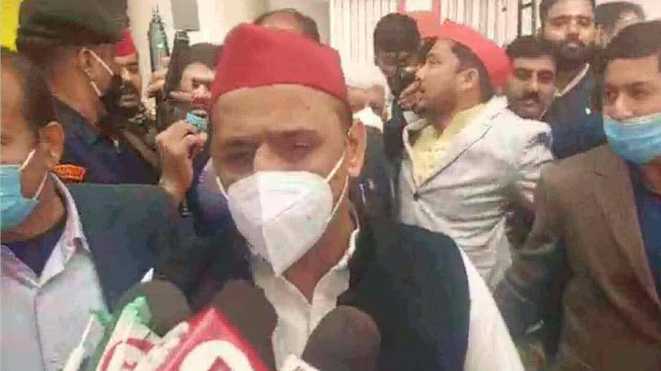 मोदी के गढ़ में अखिलेश का किसान विरोधी बिल पर जवाबी हमला