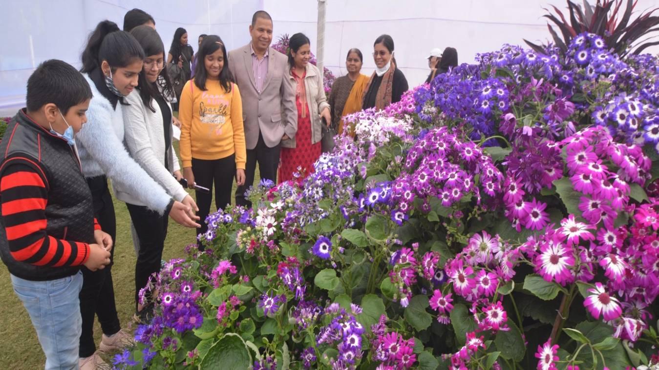 मंडलीय शाकभाजी प्रदर्शनी का आयोजन, महापौर ने की शिरक़त