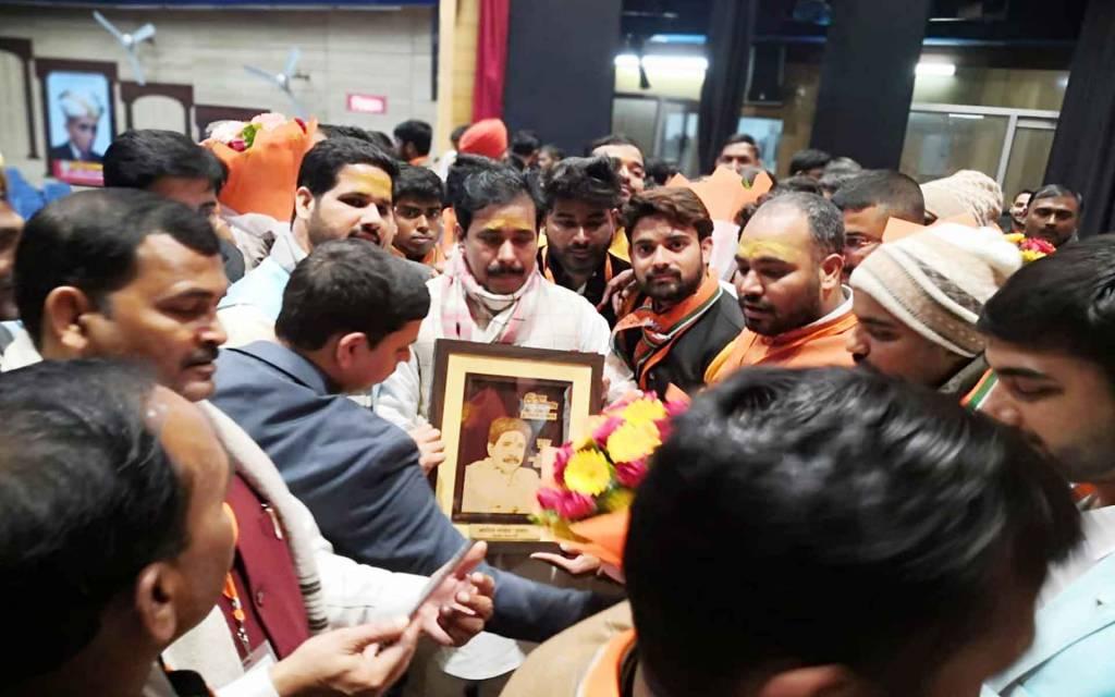 स्वामी विवेकानन्द को अपना आदर्श बनाएं देश के युवा: स्वतन्त्र देव सिंह