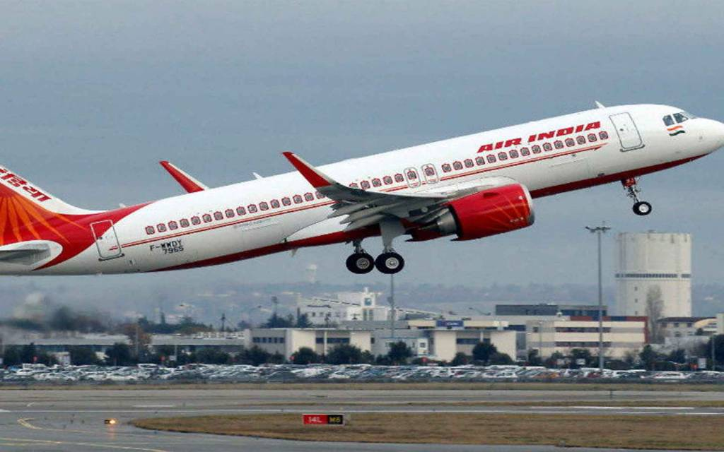 कोरोना: बाबतपुर एयरपोर्ट पर विमान की हुई आपात मेडिकल लैंडिंग, 7 संदिग्धों को भेजा गया बीएचयू